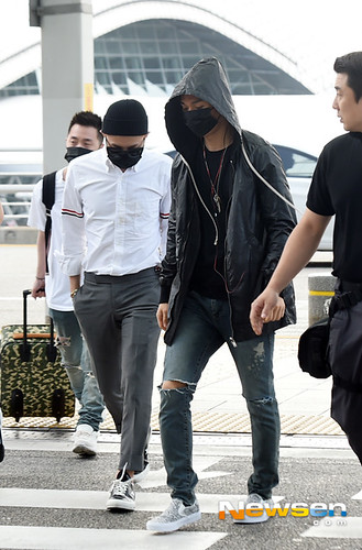 BIGBANG Incheon Airport to Shanghai Press 2015-06-19 075