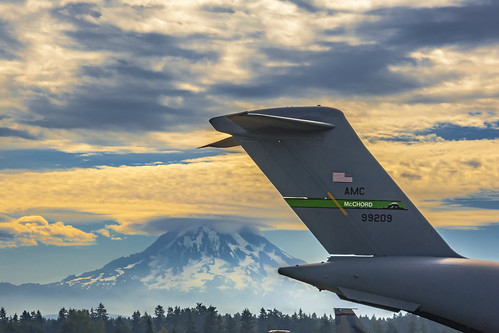 Mount Rainier and C-17 Globemaster III at Joint Base Lewis–McChord, Tacoma, Washington