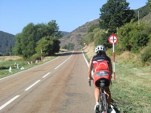 Portilla de la Reina bicicleta carretera y Pico Yordas a pie. 11 y 12 de Agosto. Vacaciones verano 2012