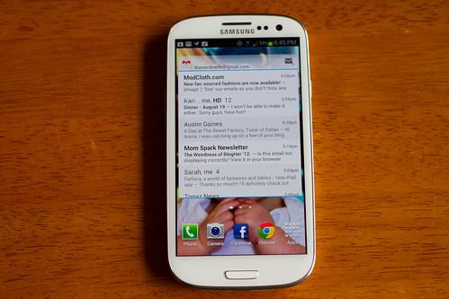 Samsung Galaxy S III-002.jpg