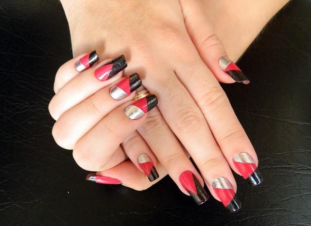 juliana leite unhas decoradas nail art formatos gerométricos unhas diferentes com adesivo1
