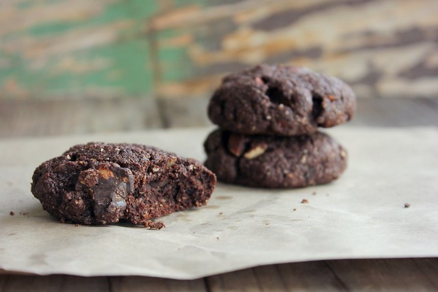 mexican chocolate almond cookies
