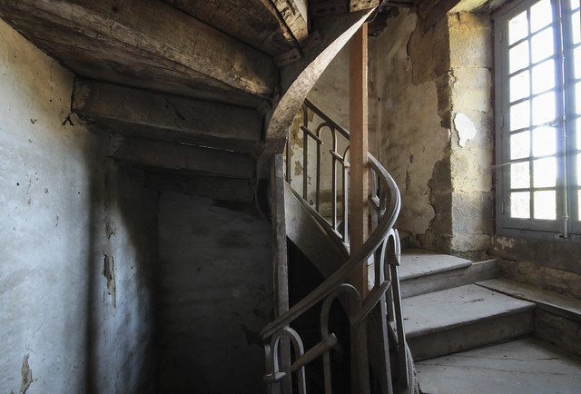 La Château - stairs to the attic