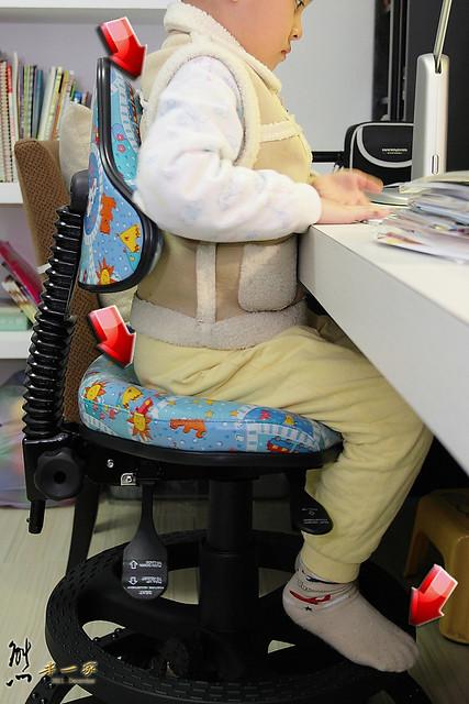 [第一博士成長書桌椅開箱] 多功可調式兒童成長椅