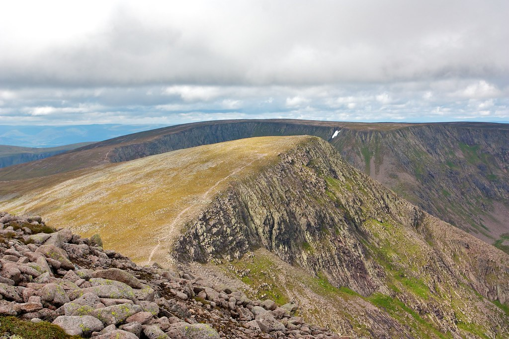 Angel's Peak from Cairn Toul