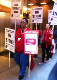 NNU Nurses show solidarity with striking Chicago Teachers Union