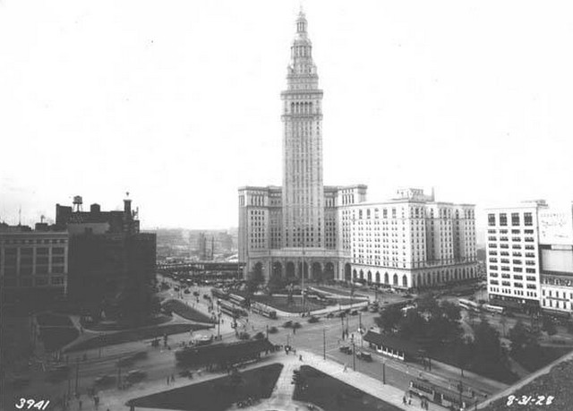 Terminal Tower construction - north side 1928