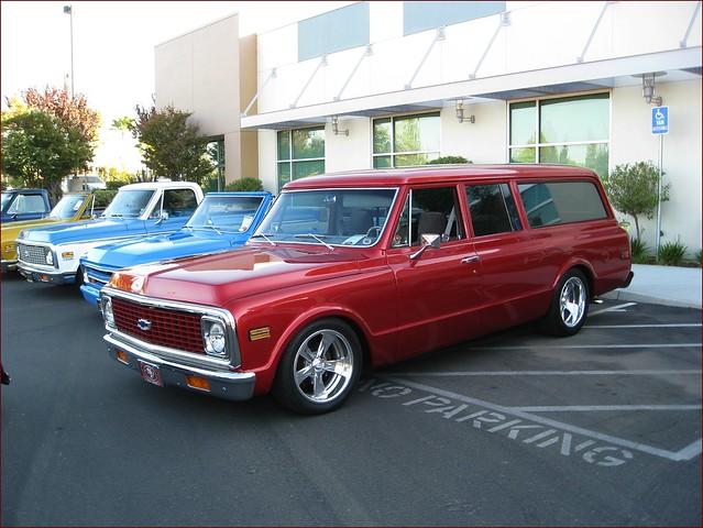 1972 chevy suburban 3 door flickr photo sharing for 10 door suburban