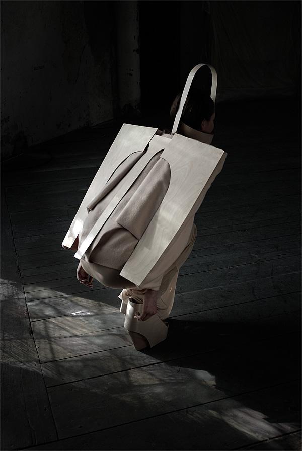 External_Body_Fashion_Collection_Emilia_Tikka_afflante_1