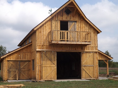 The how to build a barn shed or garage book by the barn geek for Barn like house plans
