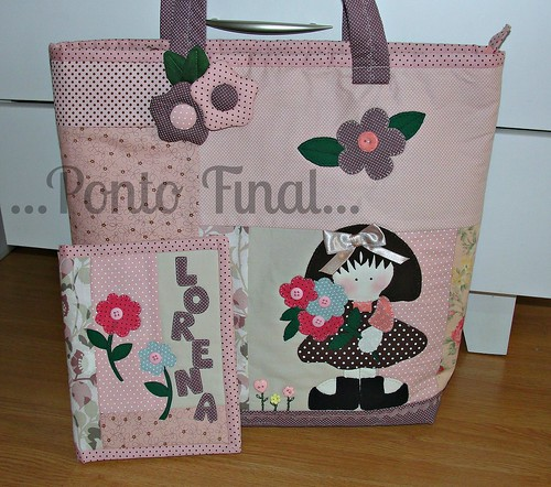 ...Bolsa em patchwork com aplicações... by Ponto Final - Patchwork