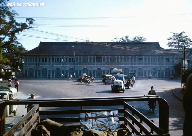 SAIGON 1966 - Trường Trung Học Trang Trí Mỹ Thuật, ngã ba Nguyễn Văn Học-Chi Lăng (còn có tên là ngã ba trường vẽ)