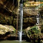 Caminhada à Cachoeira do Urubu