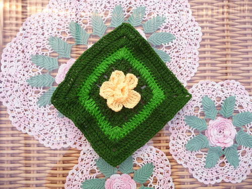 Square for the 200th blanket. Beautiful!