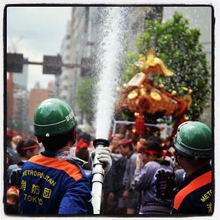 消防団がんばる。消防庁も応援。