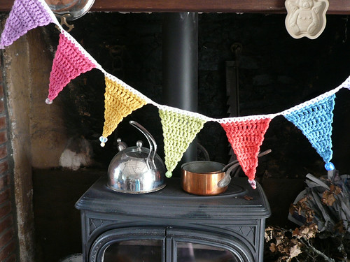 Beaded bunting in kitchen 2