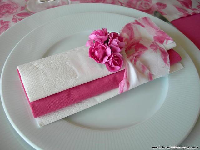 Decoracion mesa flores rosas decoracion servilletas for Rosas de decoracion