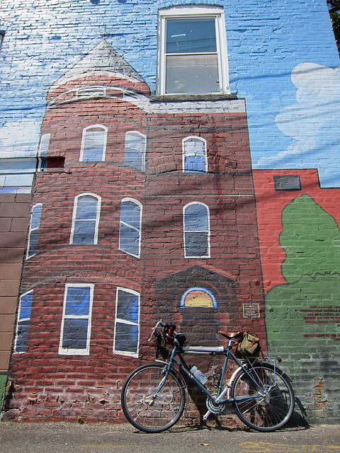 Surly LHT at the New Community Church mural, Murals DC