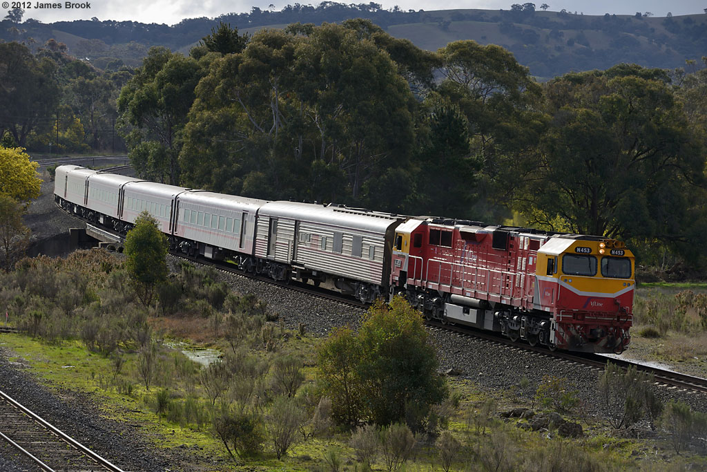 N453 near Kilmore East with 8620 by James Brook