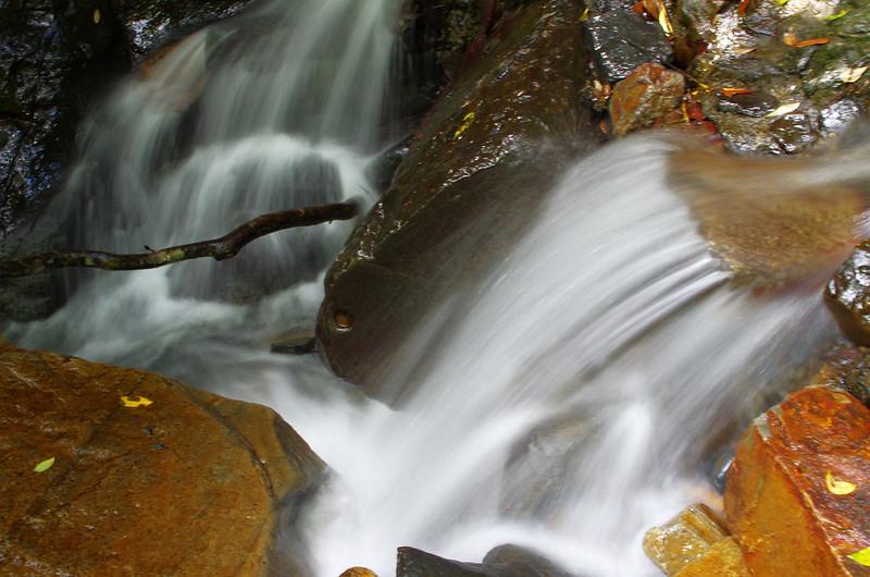 宜蘭五旗峰~~~~流水如行雲~~~處女秀