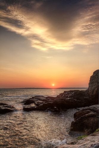 Beavertail Sunset 2 by mike_dooley