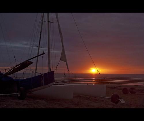 sunset mer boats boot seaside zonsondergang meer sonnenuntergang belgium belgië zee bateaux boten westvlaanderen catamaran coucherdesoleil oostduinkerke sycod vlaamsewestkust sandyachtcluboostduinkerke zee2012