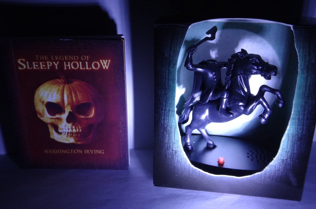 Legend of Sleepy Hollow Headless Horseman figure and book
