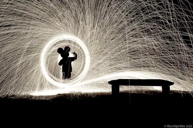 7955425430 76781158f0 z Awesome Long Exposures Using Steel Wool