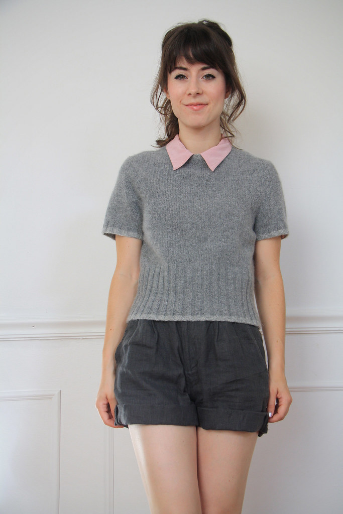 vintage cropped gray sweater