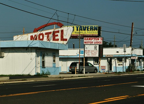 Hampton's Motor Lodge