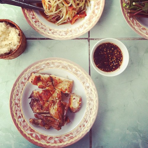 Wichianburi's famous grilled chicken, Phetchabun. #mylunchwasbetterthanyours #gonnaneedsomevegetablessoon