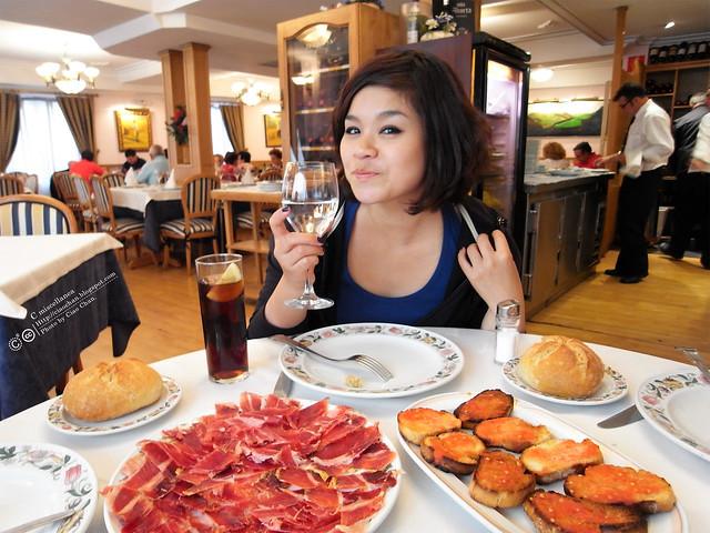 Hola Madrid~ 馬德里。La Panera 餐廳,花  €114  吃大餐!!!!!  R1043911