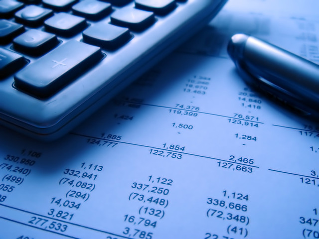 financial statement with calculator, Sony DSC-T10