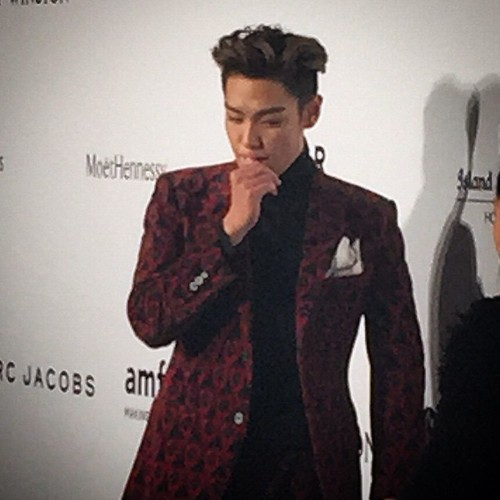 TOP - amfAR Charity Event - Red Carpet - 14mar2015 - cutiegg - 01