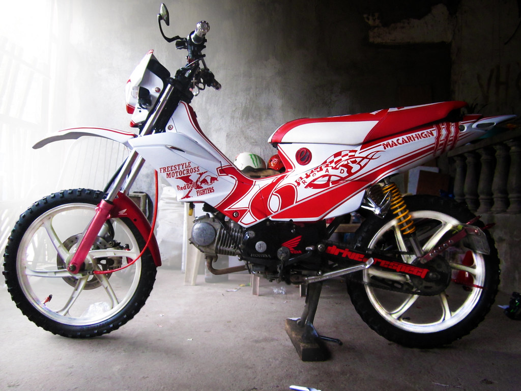 Honda xrm125 left side view