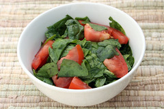 Spinach Tomato Salad with Salt and Coconut Oil in…