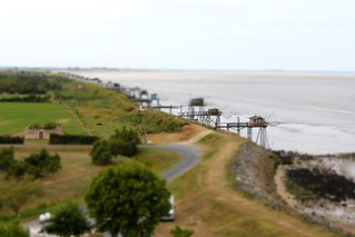 Carrelets, estuaire de la Gironde, version tilt and shift