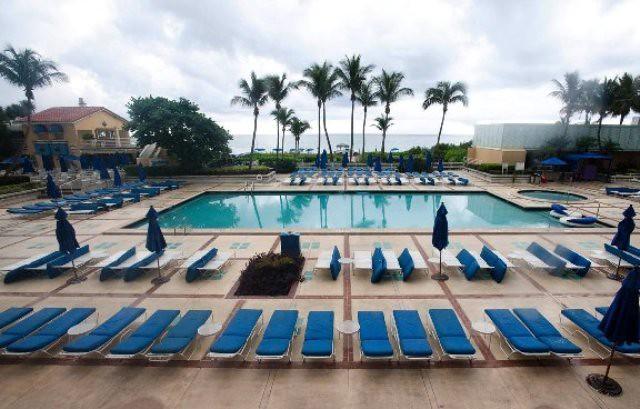 Miami Beach Resort & Spa - Piscina