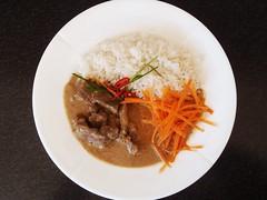 Oksekød med penang-karry og ris