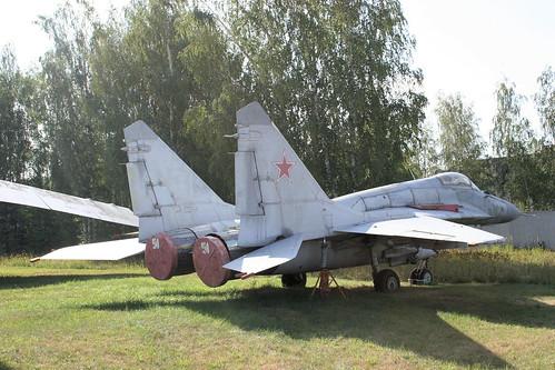 Mikoyan-Gurevich MiG-29 51 blue