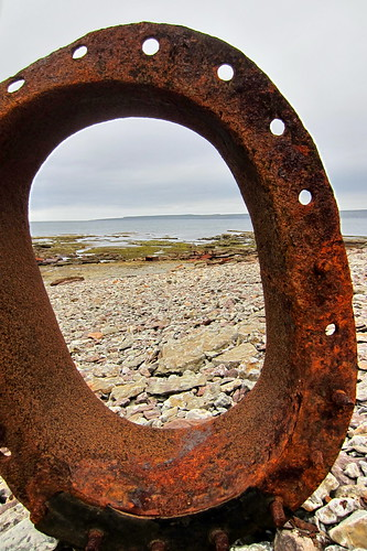 Looking through a port hole window of the HMS Raleigh shipwreck