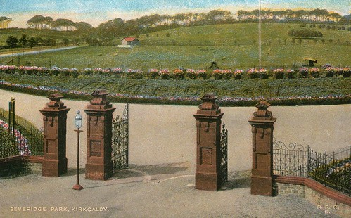 Beveridge Park Gates, Kirkcaldy