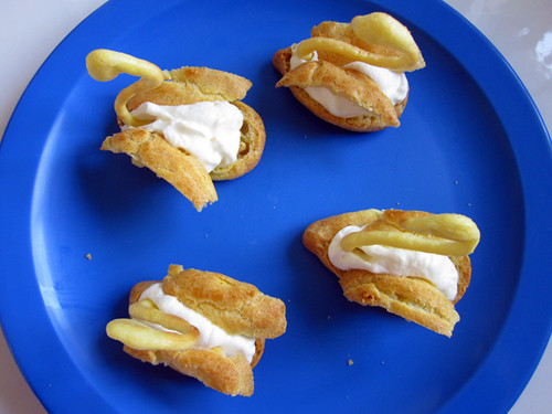 Daring Bakers August: Filled pate a choux swans
