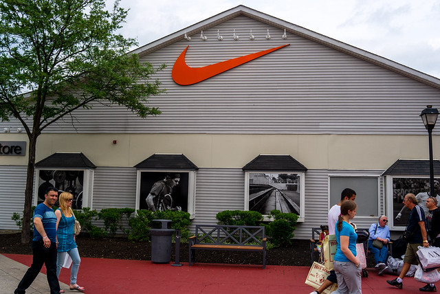 Woodbury (NY) United States  city pictures gallery : Attractions near to Woodbury Common Premium Outlets
