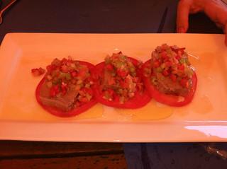 Ensalada de tomate con ventresca de atun