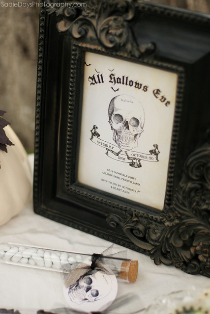 Halloween Party Invitations and Decor