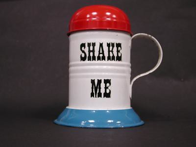 Tin shaker