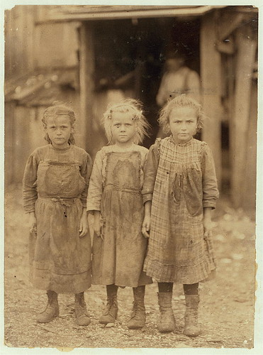 Josie, six year old, Bertha, six years old, Sophie, 10 years old, all shuck regularly. Maggioni Canning Co.  Location: Port Royal, South Carolina. (LOC)