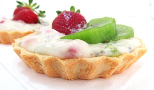 Tortinha de morango e kiwi