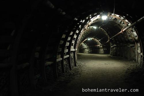 inside coal mine Guido